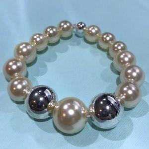 3/$25 silver and pearl beaded elastic bracelet